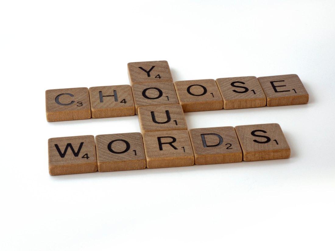 El poder de las palabras: cómo tu lenguaje puede ser fuente de crecimiento oestancamiento